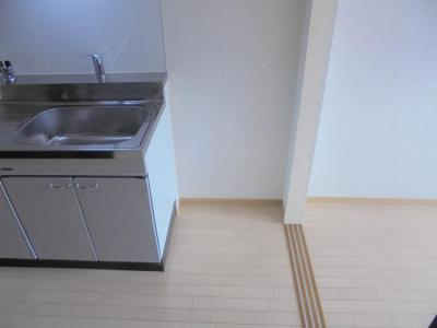 キッチン横 冷蔵庫スペース