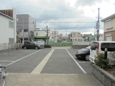 【駐車場】東住吉ハイツA棟