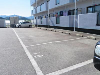 【駐車場】ユーミーマンションアルファ