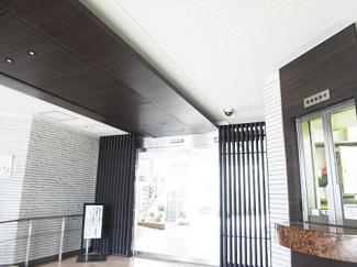 世田谷区若林1丁目 リノベーションマンション 中銀若林マンシオン 安心のエントランスです。