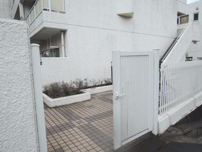 【エントランス】磯子タウンハウス