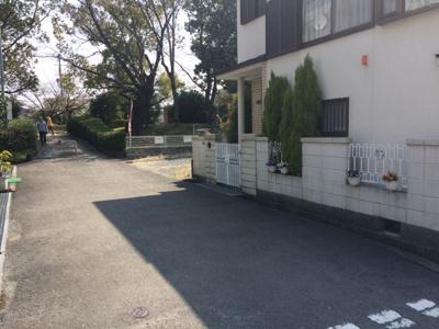 【前面道路含む現地写真】東奈良2丁目売土地
