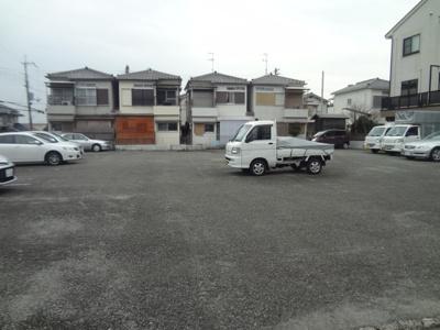【居間・リビング】新稲7丁目月極駐車場