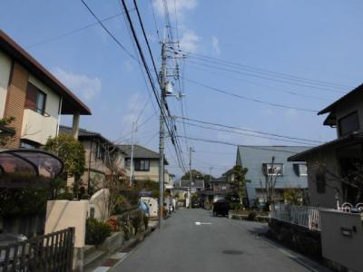 東側前面道路(幅員約6m)