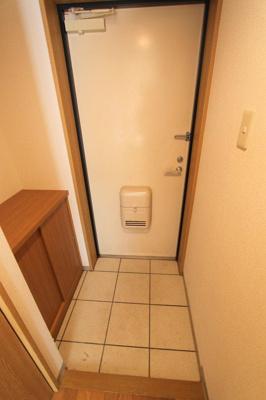 【玄関】グランデージチバ