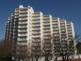大田区鵜の木 リノベーションマンション 多摩リバーサイドハウス 14階建ての大きなマンションです