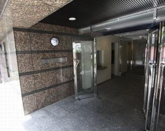 渋谷区松濤2丁目 リノベーションマンション 松濤ホームズ エントランス
