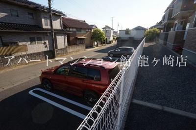 【駐車場】ラフレシール