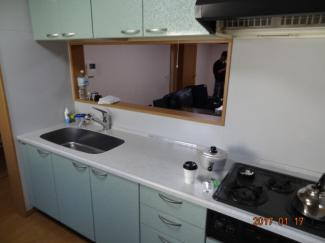 【キッチン】さいたま市緑区宮本2丁目 高台南道路に面するカースペース2台の中古住宅