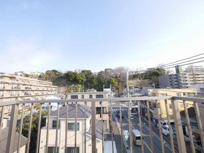 バルコニーからの眺望・東向きです。