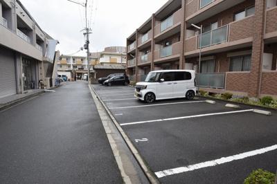【駐車場】アムールカセイ㈱Roots