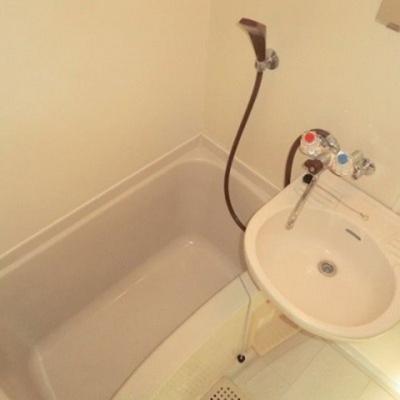 【浴室】ヴィラ・オカベ