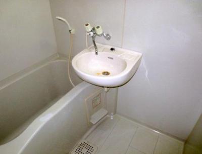 幕張ヴァージンハウスの浴室