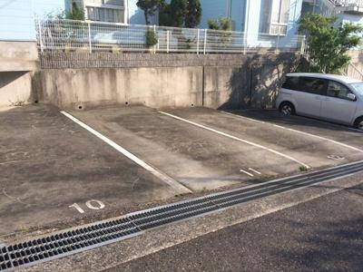 【駐車場】クイーンズコートB