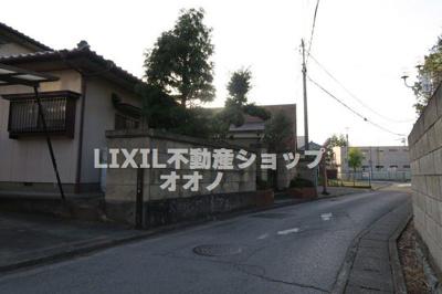 【前面道路含む現地写真】加須市元町 古屋付売地