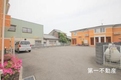 【駐車場】ヴィッラ・ジェンテ1