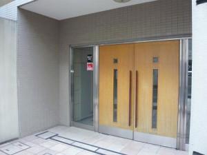 目黒区東山3丁目 リノベーションマンション ニューキャピタル渋谷 マンション入口