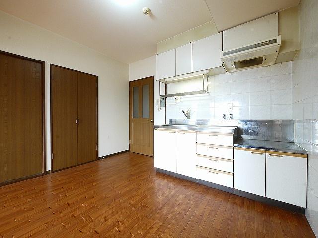 【キッチン】グラン・シャリオ二階堂