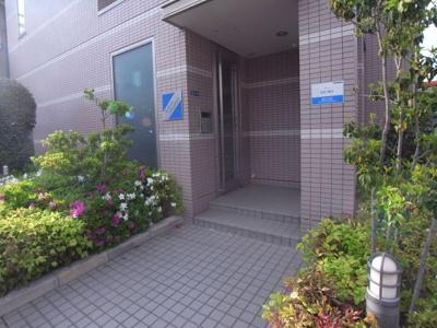 【エントランス】ラフィネシャンブル