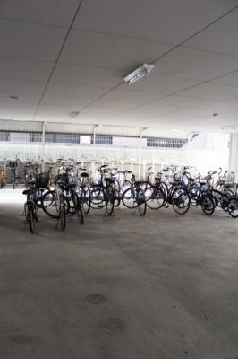 駐輪スペースも十分にあります。