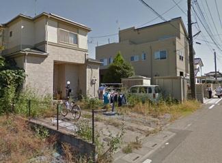 敷地が95.99坪もございますので、駐車場を増やすもよし、庭を造るもよしですね (^o^)