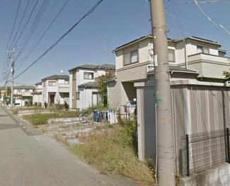 前面道路が広く、敷地以上の広さが感じられます ☆彡