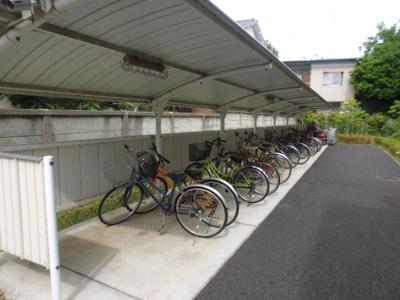 駐輪場・バイク置き場。