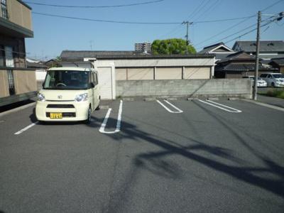 児島味野城 ドリーミーハウス 2LDK 駐車場