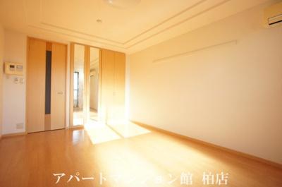【居間・リビング】葉山レジデンス