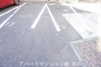 【駐車場】葉山レジデンス