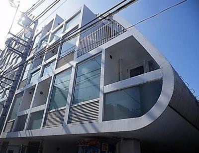 おしゃれな外観。鉄筋コンクリートマンション!