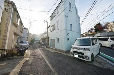 【前面道路含む現地写真】西区東久保町 中古戸建