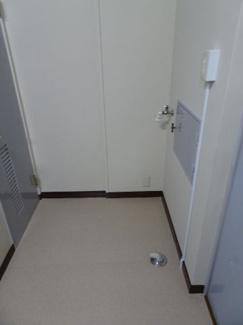 遠藤ビル 洗濯機置き場は室内にございます!