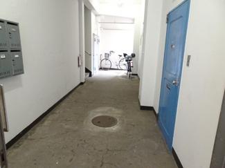 遠藤ビル 1階共用廊下
