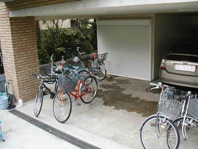 グロントホームの駐輪場です。