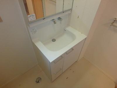 【独立洗面台】シャーメゾン石在町