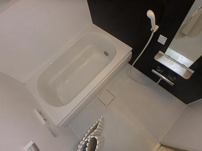 【浴室】シャーメゾン石在町