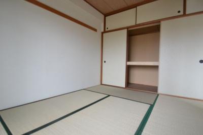 【寝室】ロイヤル本山南