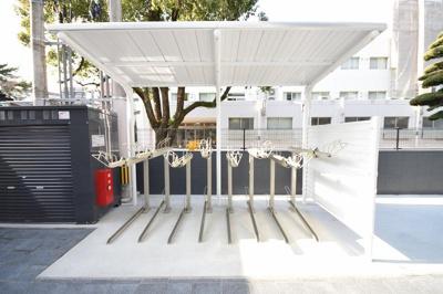 ディアクレスト西新(1R) 駐輪場