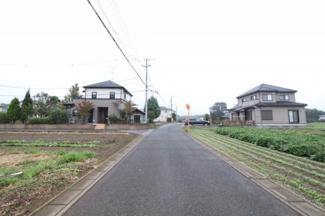 【前面道路含む現地写真】坂戸市善能寺 建築条件なし売地 全5区画 70坪以上