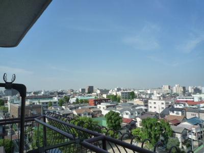 8階からの眺めです。川口市から鳩ヶ谷方面を一望できます。