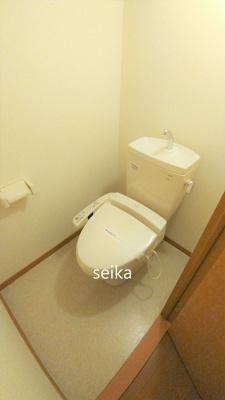 バストイレ別。温水洗浄便座付き※同タイプ室内