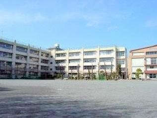 東京都世田谷区羽根木1丁目新築戸建 3号棟 梅丘中学校まで1㎞以内です。