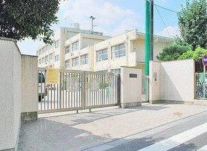 東京都世田谷区羽根木1丁目新築戸建 3号棟 松原小学校学区域です。