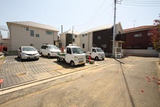 世田谷区鎌田1丁目 新築戸建 A号棟 前面道路含む現地写真です。