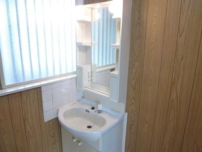 便利な独立洗面台!