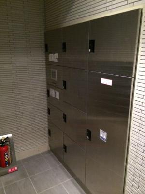 ガリシアレジデンス広尾の宅配BOXです。