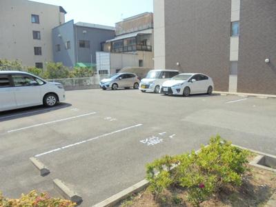 【駐車場】サンセール・ヴィラ