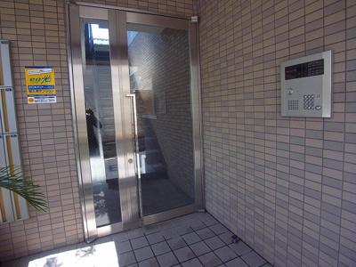 【エントランス】メイプルハウス