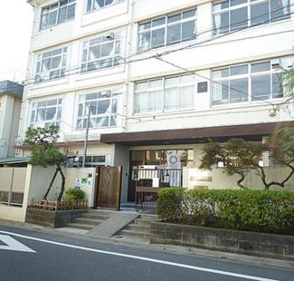 東京都大田区南久が原2丁目新築戸建 B号棟 大森第七中学校学区域です。徒歩で4分と近いのでお子様の通学も楽チンです。